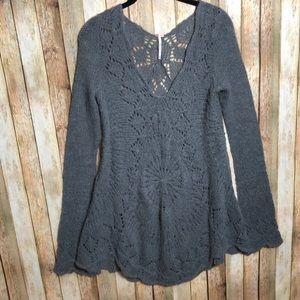EUC Free People Knit Sweater Tunic w/Bell Sleeves